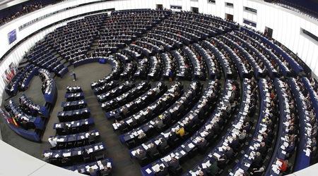 ГЕРБ - партия, самотна на европейското поле